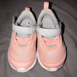 Baby girl size 4 Nike tennis shoes